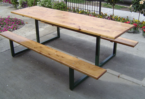 Gentil Custom Pine Picnic Table